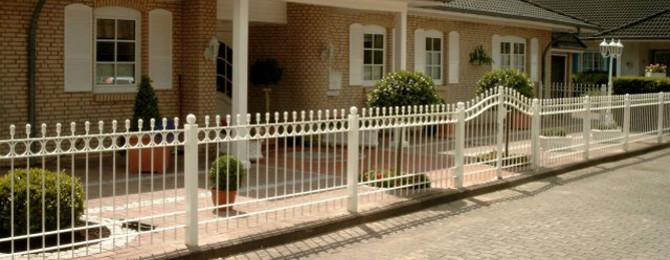 Zäune und Tore von Sterrenberg